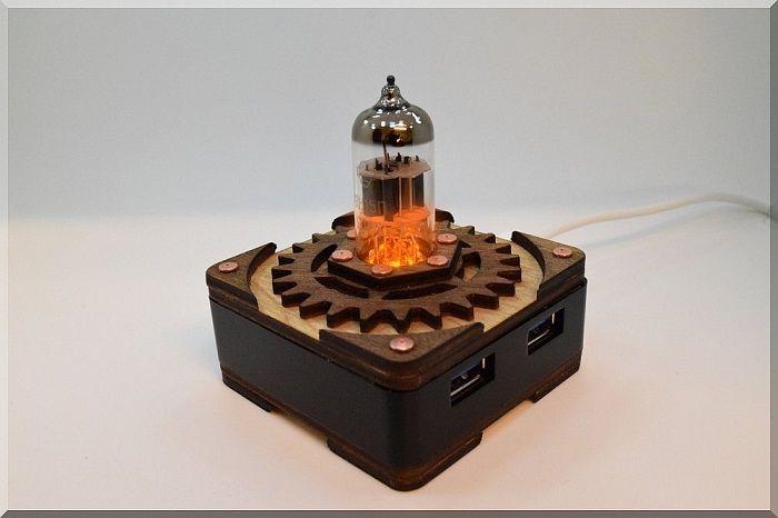 hub-usb-steampunk-tube-triode-orange-4-ports [700 x 466]