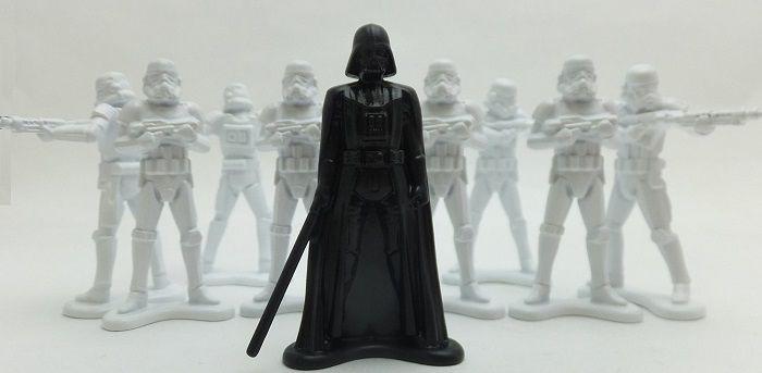 star-wars-petit-soldat-plastique-dark-vador-stormtrooper-collection [700 x 343]