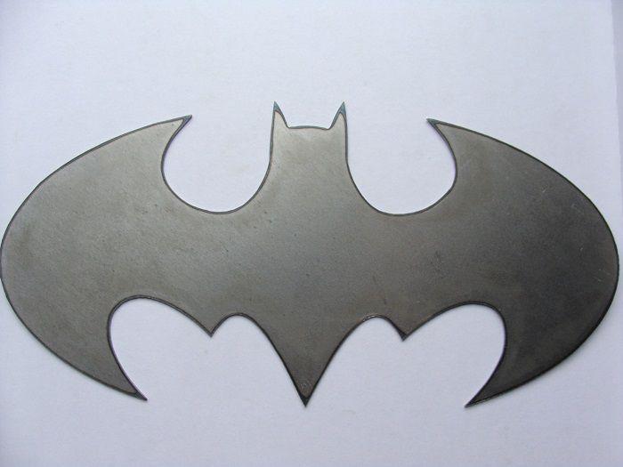 batman-dc-comics-logo-panneau-mural-metal-acier-plaque-decoration [700 x 525]
