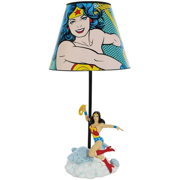 lampe-Wonder-woman-dc-comics-figurine [700 x 700]