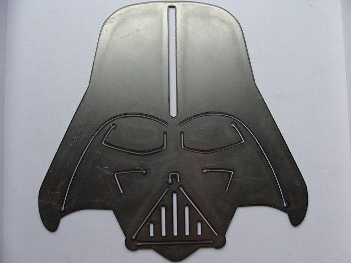 star-wars-dark-vador-panneau-mural-metal-acier-plaque-decoration [700 x 525]