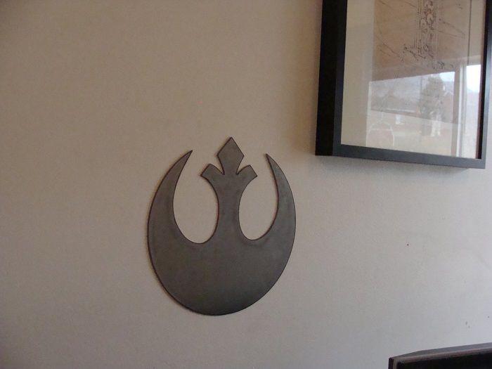 star-wars-logo-alliance-rebelle-panneau-mural-metal-acier-plaque-decoration-2 [700 x 525]