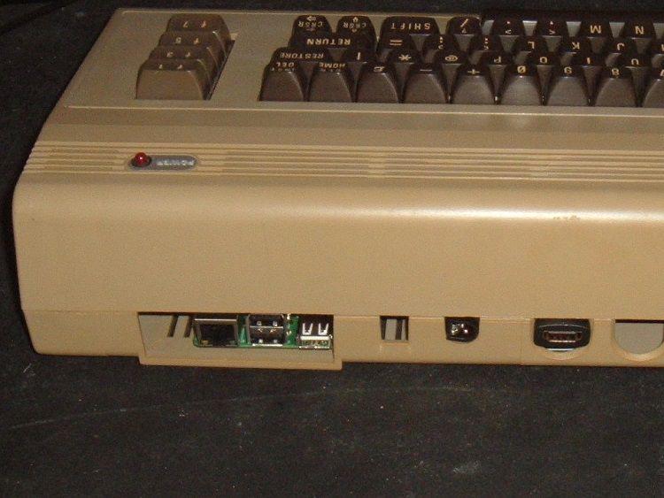 commodore-64-boitier-raspberry-pi-2 [750 x 563]