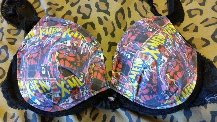 soutien-gorge-lingerie-magneto-marvel [750 x 422]