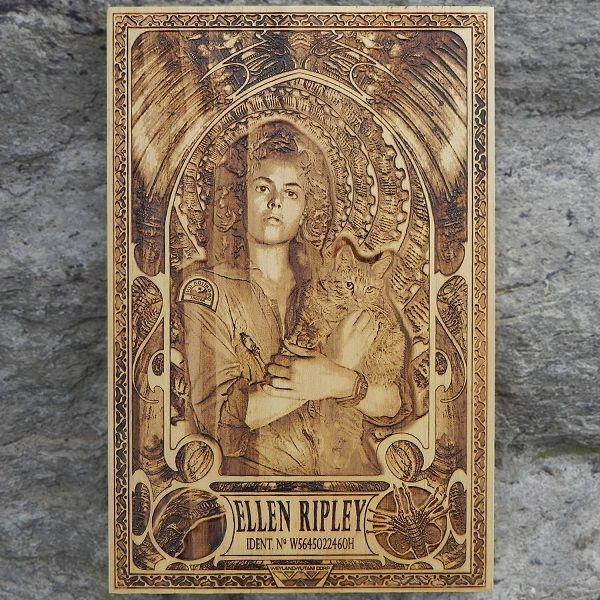 star-wars-alien-ellen-ripley-tableau-panneau-bois-affiche-poster [600 x 600]