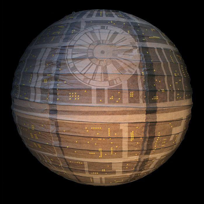 star-wars-luminaire-lanterne-boule-papier-etoile-de-la-mort [700 x 700] (1)