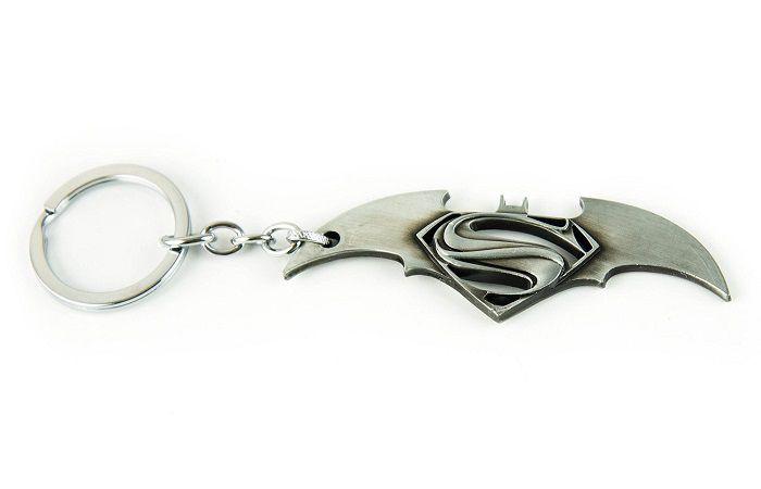porte-cles-batman-v-superman-logo-film-acier [700 x 450]
