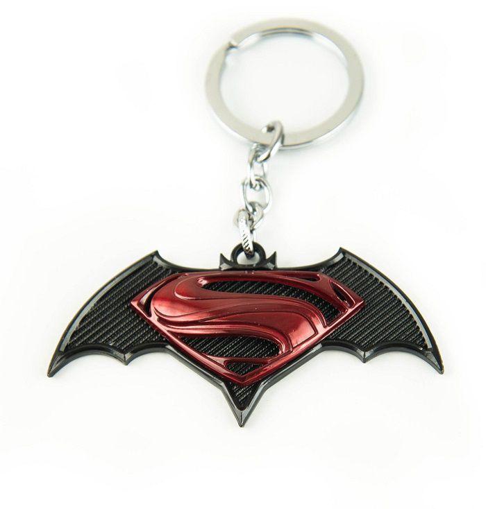 porte-cles-batman-v-superman-logo-film-rouge [700 x 734]