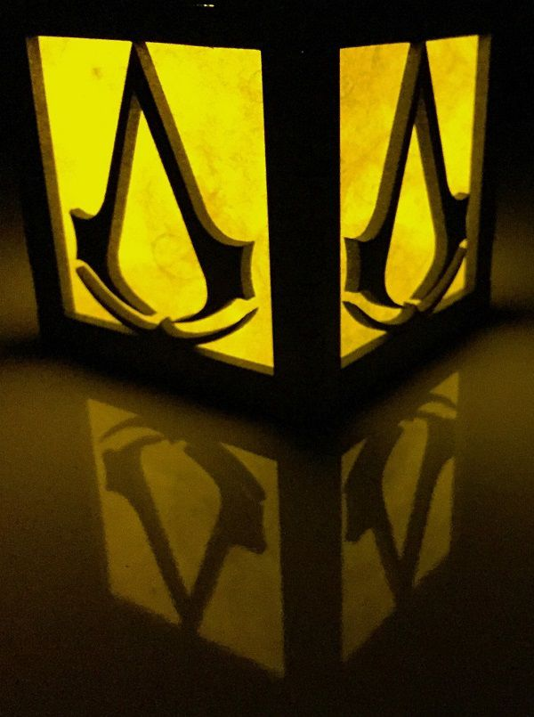 assassin-creed-logo-boite-lumiere-light-box-decoration [600 x 805]
