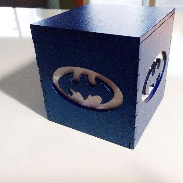 batman-classique-logo-boite-lumiere-light-box-dc-comics-decoration [600 x 600] (1)