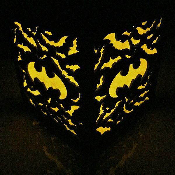 batman-logo-boite-lumiere-light-box-dc-comics-decoration-2 [600 x 600]