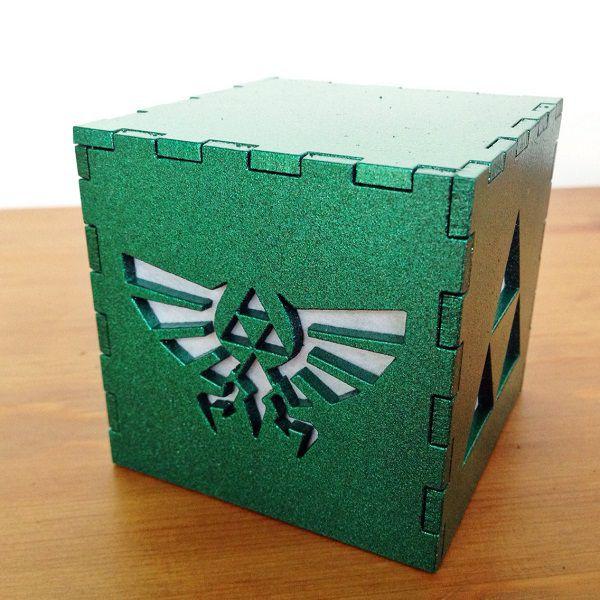 legend-of-zelda-triforce-logo-boite-lumiere-light-box-nintendo-decoration [600 x 600]