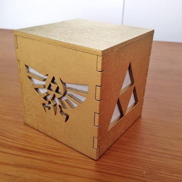 legend-of-zelda-triforce-logo-boite-lumiere-light-box-or-nintendo-decoration [600 x 600]