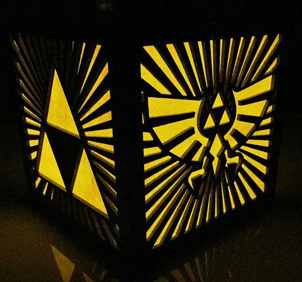 legend-of-zelda-triforce-logo-starbust-boite-lumiere-light-box-nintendo-decoration [600 x 560]