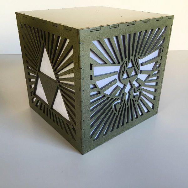 legend-of-zelda-triforce-logo-starbust-boite-lumiere-light-box-nintendo-decoration [600 x 600]