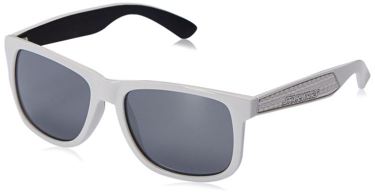 star-wars-lunettes-soleil-stormtrooper-2-wayfarer-foster-grant [750 x 381]
