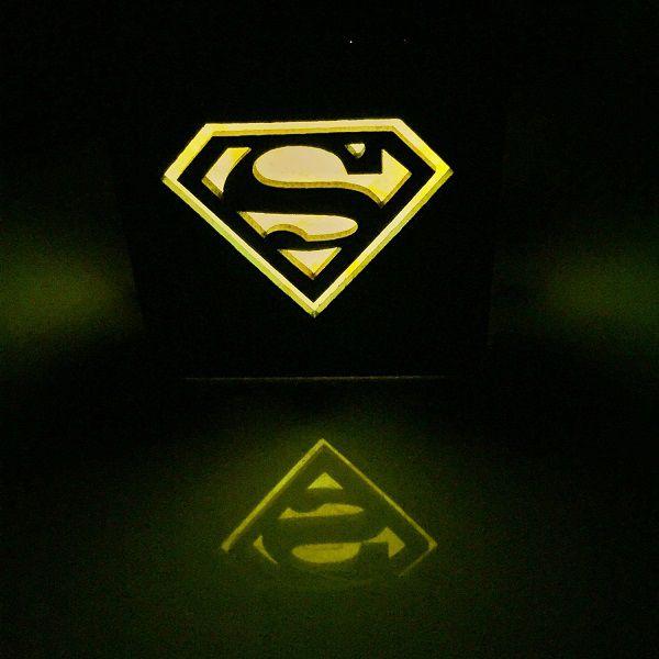 superman-logo-boite-lumiere-light-box-dc-comics-decoration-2 [600 x 600]