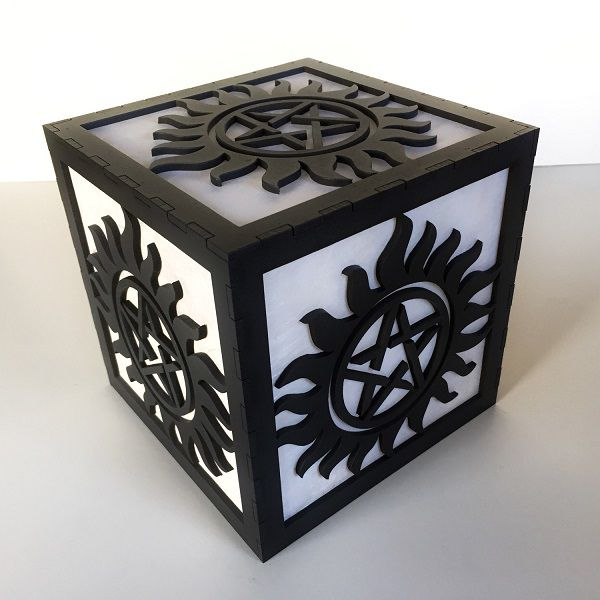 supernatural-logo-boite-lumiere-light-box-decoration [600 x 600]