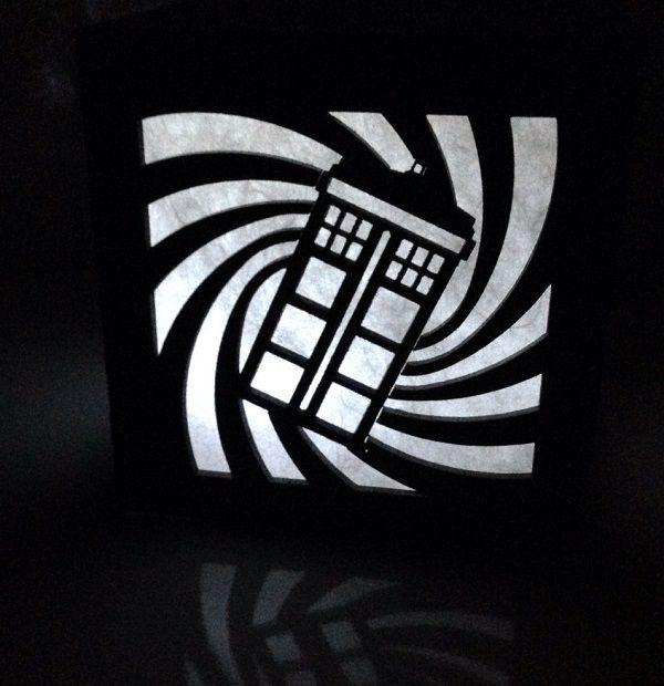 tardis-boite-lumiere-light-box-doctor-who-decoration-2 [600 x 620]
