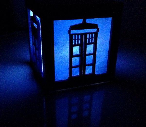 tardis-boite-lumiere-light-box-doctor-who-decoration [600 x 519]
