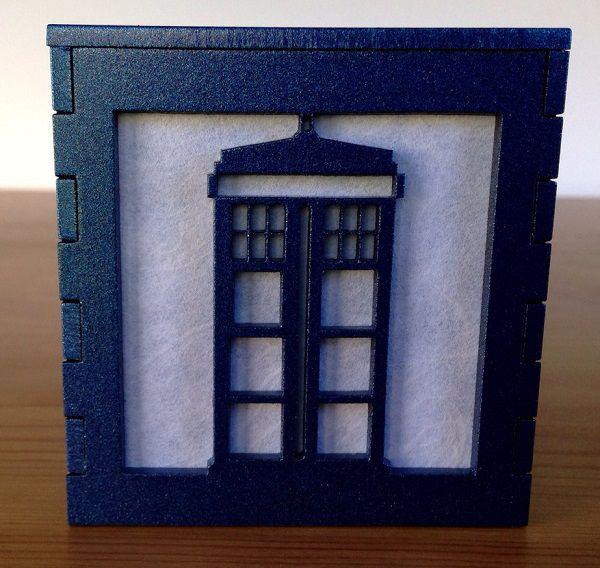 tardis-boite-lumiere-light-box-doctor-who-decoration [600 x 568]