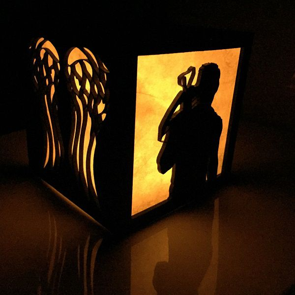 the-walkling-dead-daryl-dixon-logo-boite-lumiere-light-box-decoration-2 [600 x 600]