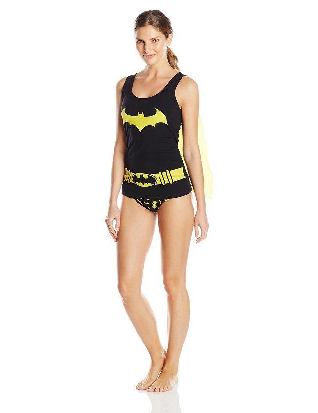 batgirl-sous-vetement-cape-t-shirt-culotte-debardeur-lingerie-dc-comics [650 x 844]