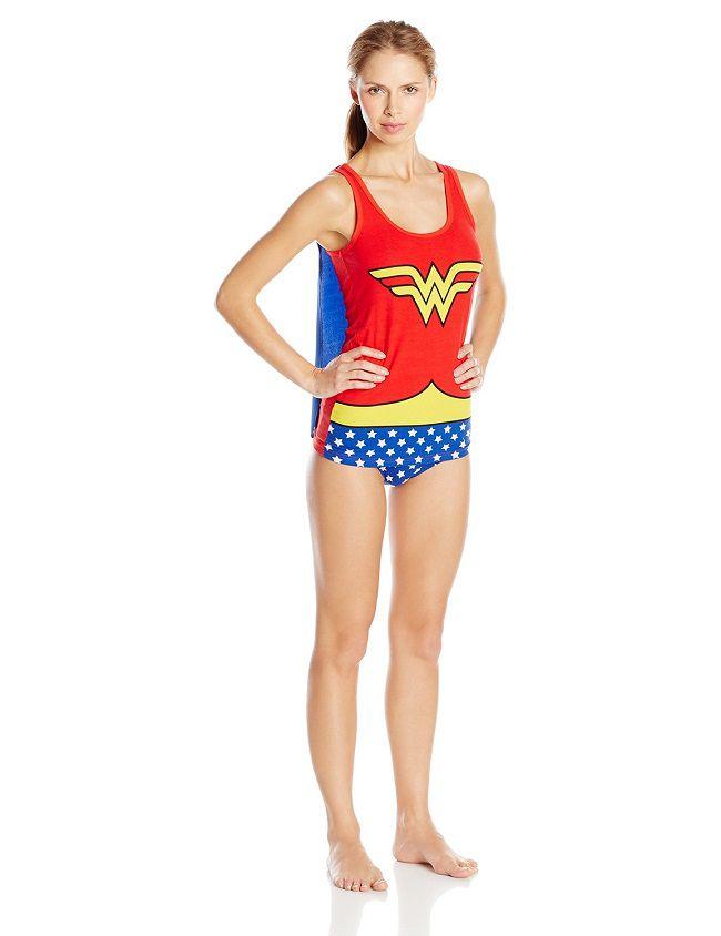 wonder-woman-sous-vetement-cape-t-shirt-culotte-debardeur-lingerie-dc-comics [650 x 844]