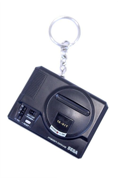 porte-cles-sega-mega-drive-console-salon-retrogaming-500-x-750