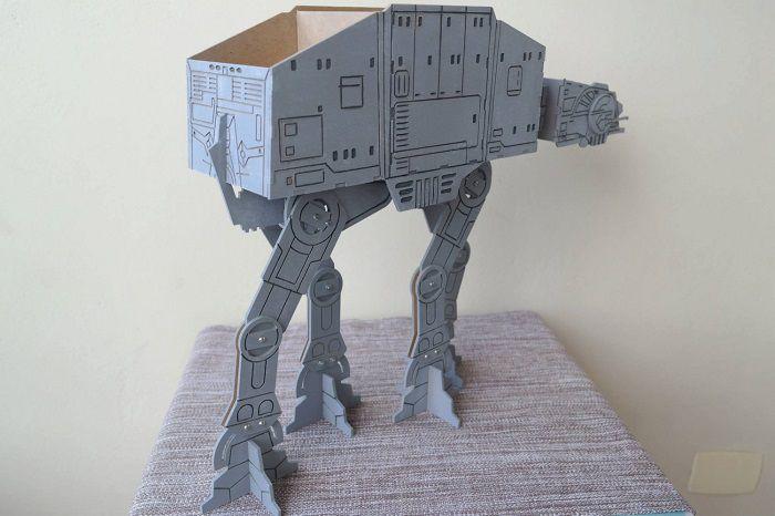 star-wars-at-at-accesoire-ranger-bureau-replique-stylo-objet-3-700-x-466