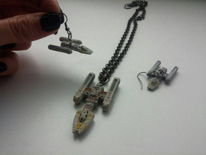 star-wars-boucles-oreilles-collier-b-wing-vaisseau-spatial-empire-2-700-x-525