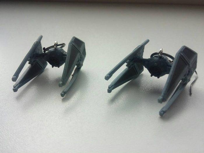 star-wars-boucles-oreilles-tie-intercepteur-vaisseau-spatial-empire-700-x-525