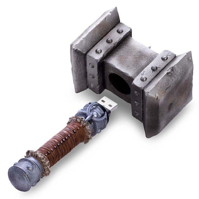 warcraft-marteau-doomhammer-replique-cable-recharge-transfert-data-donnee-650-x-650