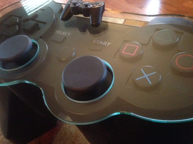 table-basse-manette-playstation-3-sony-gaming-decoration-plateau-640-x-480